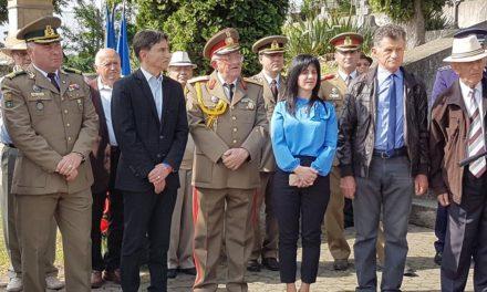 Cu prilejul sărbătoririi Zilei Independenței de Stat a României, Zilei Victoriei Coaliției Națiunilor Unite în cel de-Al Doilea Război Mondial și Zilei Uniunii Europene, Instituţia Prefectului – judeţul Alba a organizat miercuri, 9 mai, un ceremonial religios și militar dedicat acestor evenimente