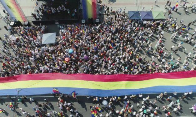 Marșul Centenarului pornit de la Alba Iulia, întâmpinat la Chișinău