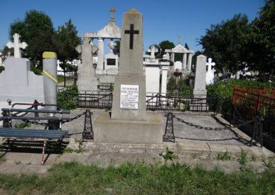 2. Mormantul lui Vasile Niculescu din Radauti