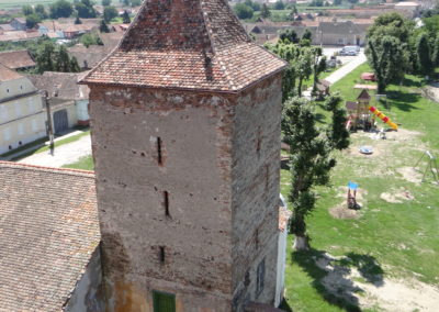 38. Turnul de la intrarea in biserica fortificata din Brateiu, inainte de Medias