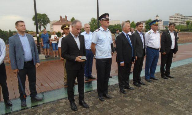 La Alba Iulia: Sărbătoarea Imnului Național, umbrită de participarea sub așteptări a conducătorilor instituțiilor statului și a cetățenilor de rând